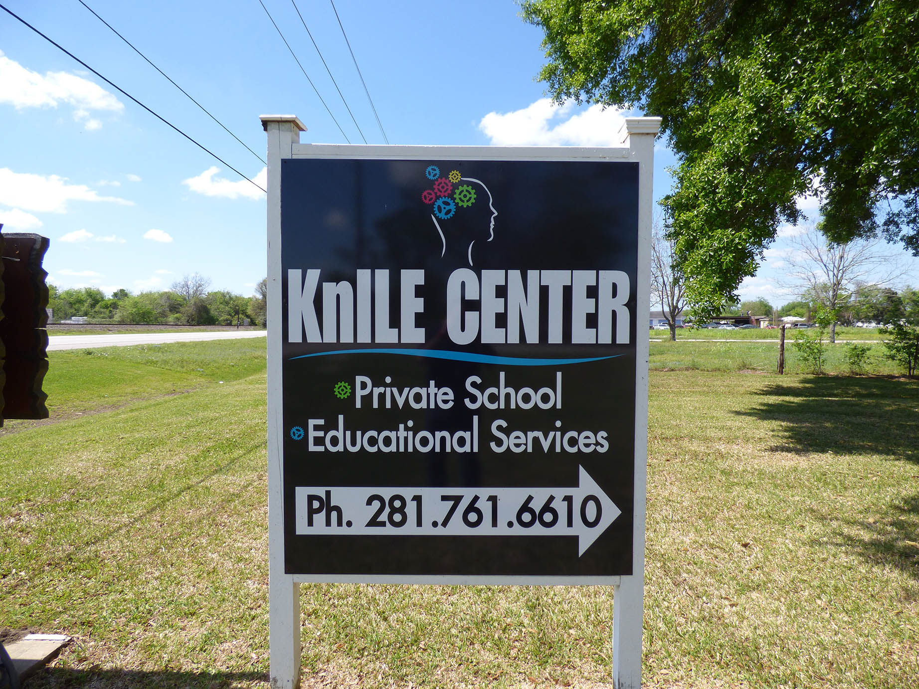 KnILE Center Sign